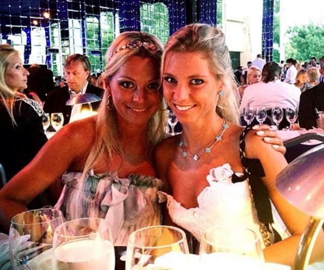 Ирина Салтыкова , которой хоть уже и исполнился 51 год, легко может составить конкуренцию своей дочери Алисе.