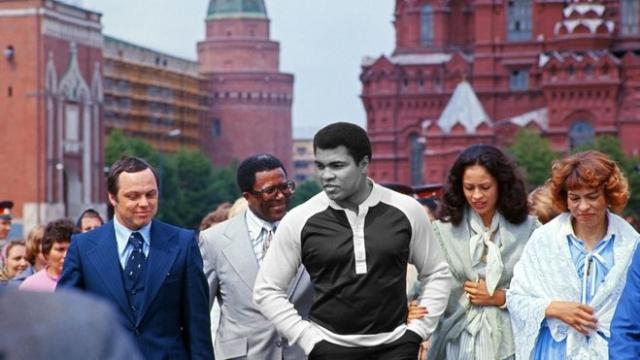 В мае 1978 года Советский Союз для расширения спортивных связей при подготовке к Олимпиаде-80 решил принять у себя чемпиона мира по боксу Мохаммеда Али.