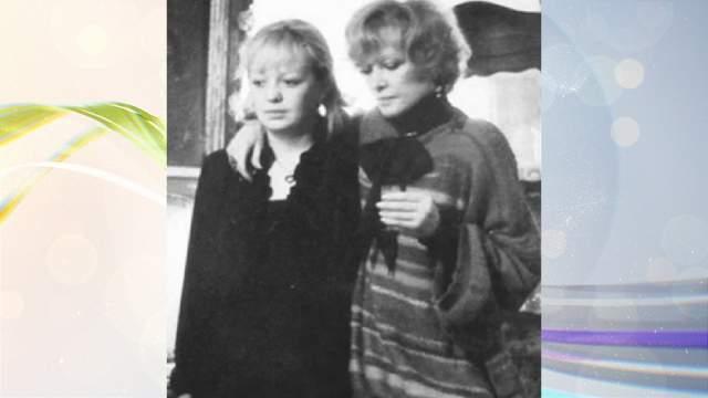 Пожалуй, одним из самых ярких контрастов между мамой и дочкой в отечественном шоу-бизнесе были Людмила Гурченко и ее дочь Мария.