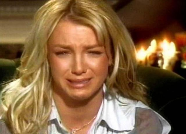 Бритни Спирс. Впервые поп-принцесса впала в истерику в далеком 2002, давая интервью телеканалу ABC.