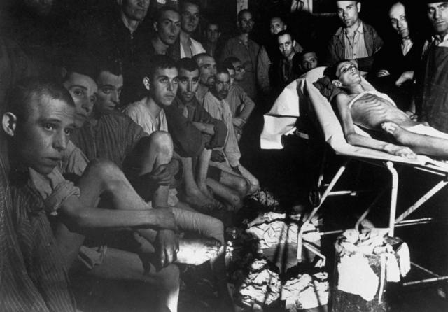 Узнав об этом, срочно созывается заседание интернационального комитета - тогда оно уже не было подпольным, - где принимается решение опередить немцев, и 11 апреля в 15:15 поднять вооруженное восстание.