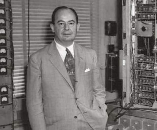 Фон Нейман также стал одним из влиятельнейших ученых 20 века, изучая тайны квантовой механики, а также занимаясь экономикой.
