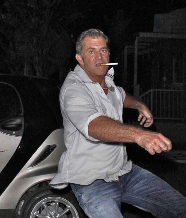 Мел Гибсон. А вот актер порой и водит машину в пьяном виде.