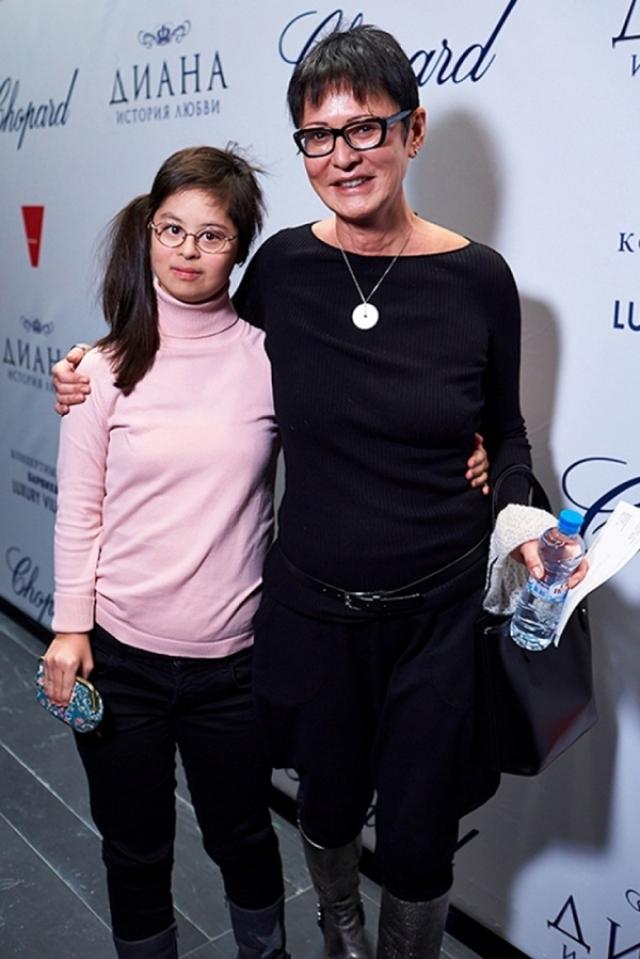В интервью Ирина рассказала, что Маша любит танцевать, у нее художественное мышление, но точные науки ей не даются.