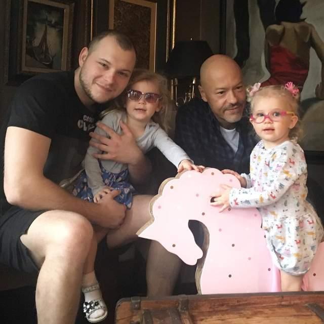 У Федора Бондарчука и его бывшей супруги Светланы есть две внучки, Маргарита, которой сейчас пять, и трехлетняя Вера, которых им подарила их сын Сергей с супругой.