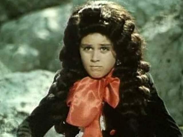 Томас Аугустинас (Артемон). О юном актере известно очень мало, на съемках он также питал симпатию к Татьяне Проценко и дарил ей подарки.