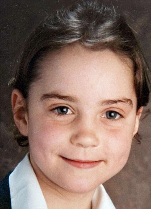 """Кейт Миддлтон. Герцогиня Кембриджская в школе была """"очень робкой и пугливой девочкой"""", при этом с курносым носом и простоватой внешностью."""