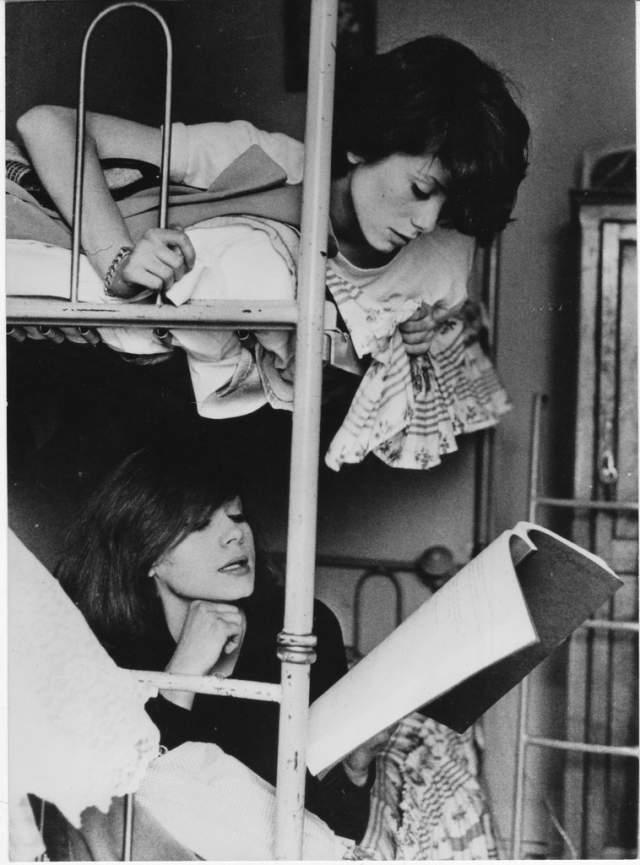 """В день гибели 25-летняя Франсуаза должна была улететь в Лондон на премьеру картины """"Девушки из Рошфора""""."""