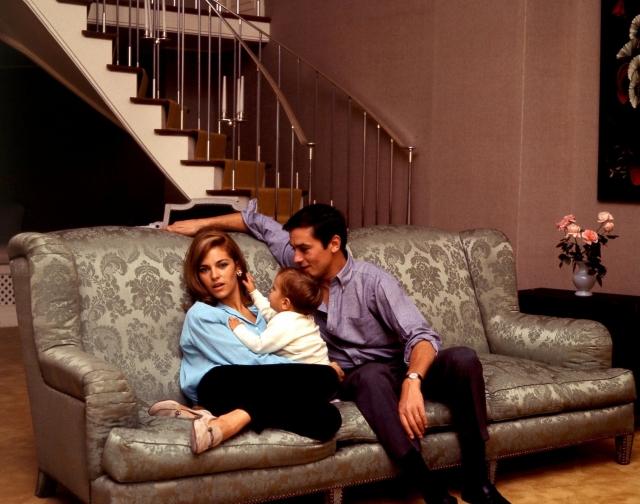 Ярость выражалась, в частности, в том, что Натали однажды разнесла дверь их спальни выстрелом из пистолета. Брак продлился пять лет, после чего Бартелеми подала на развод. Они развелись в 1969-м, в День святого Валентина.