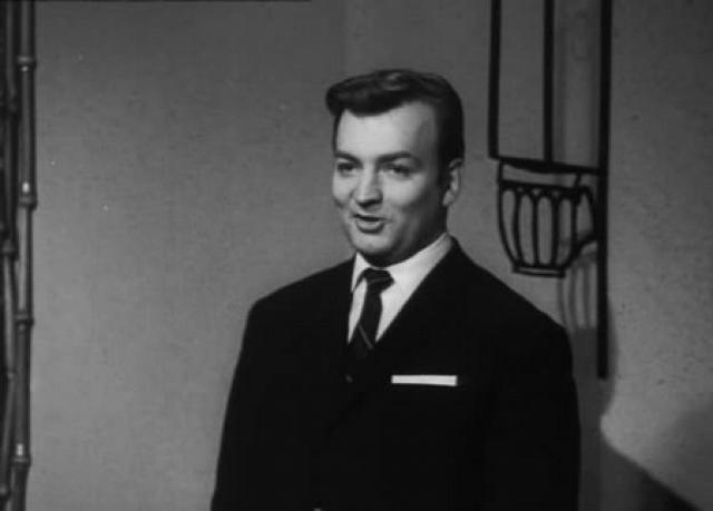 Михаил Державин. В 1954 году Михаил поступил в Театральное училище им. Щукина, после окончания которого с 1959 года работал в Московском театре им. Ленинского комсомола.