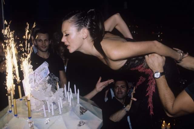 Кейт Мосс на своем дне рождения.
