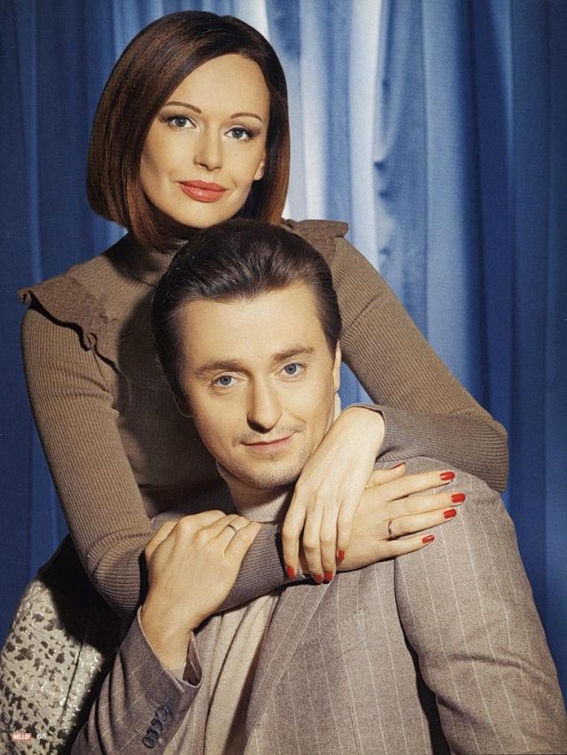 Ирина Безрукова. Замужем за всем известным актером Ирина была целых 15 лет, пока два года назад он не завел новый роман. После развода дружеские отношения пары сохранились.