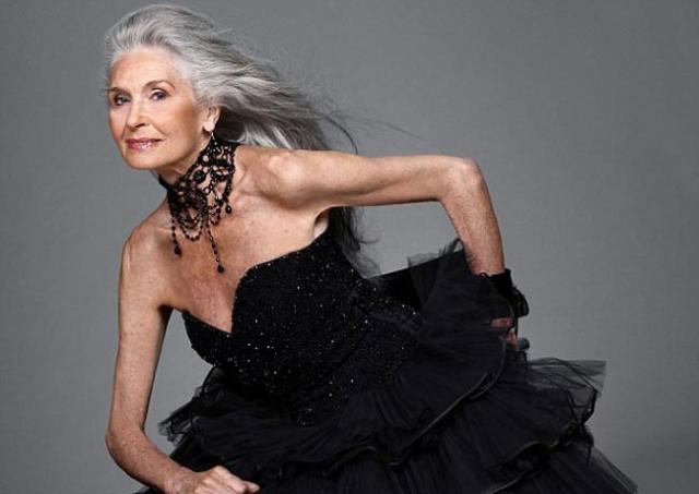 В апреле 2014 года Дафна была занесена в Книгу Рекордов Гиннесса как модель самого старшего возраста. В том же году модель приняла участие в фотосессии известной компании D&G.
