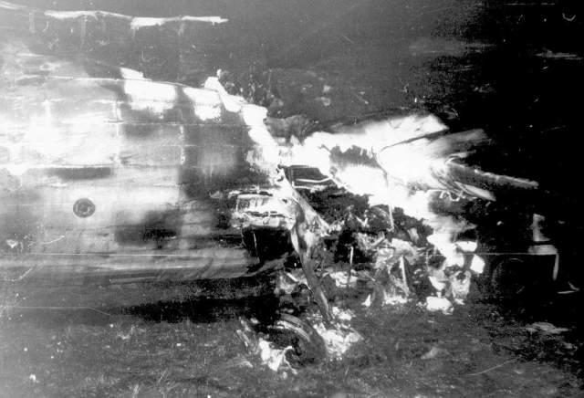 Увы, второй пилот, Евгений Жирнов, лобовое стекло на рабочем месте которого не было закрыто шторкой, не предпринял никах мер для ухода на второй круг. Однако после крушения он помогал пассажирам выбираться из горящего самолета.