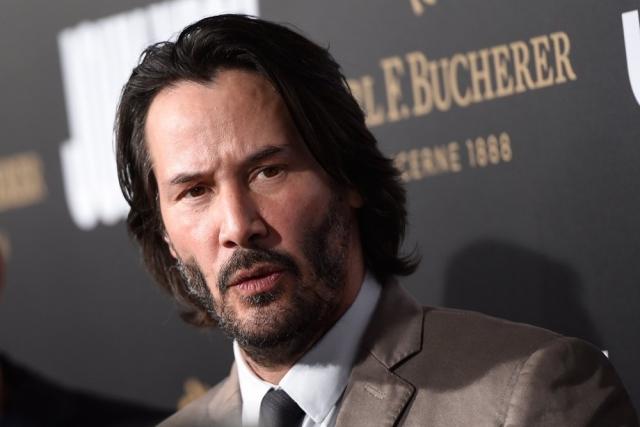 """Актер все еще одинок, а не так давно с горечью сказал журналистам: """"Слишком поздно. Все кончено. Мне 52 года, и я никогда не стану отцом. Я просто рад, что я все еще здесь"""""""