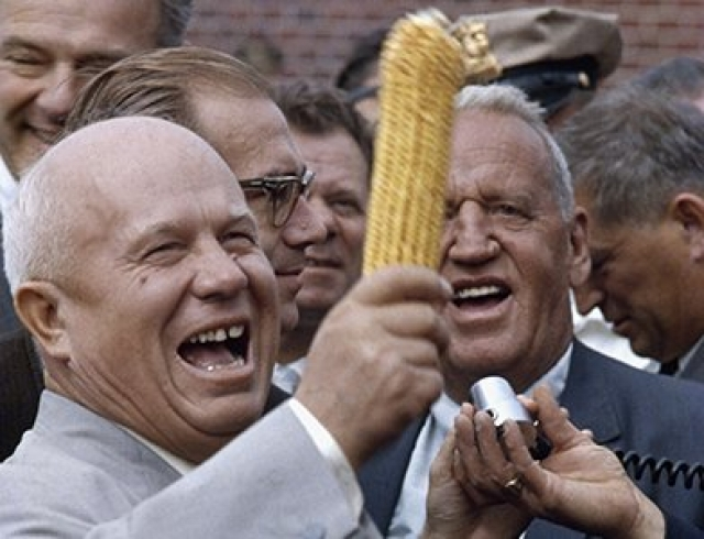 Визит в США дал пожалуй самый большой повод для анекдотов о Хрущеве - его увлечение кукурузой.