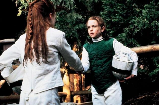 """Линдси Лохан. В десятилетнем возрасте за плечами рыжеволосой девочки было более ста рекламных роликов и роль Элли Фоулер в сериале """"Другой мир"""". В одиннадцать девочка дебютировала в кино."""