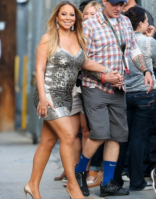 Мэрайя Кэри. 46-летняя певица одевается как будто ей по-прежнему 18, а параметры как у топ-модели.