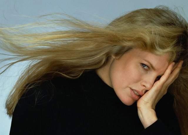 """Еще несколько лет актриса получала лишь небольшие роли, а в 1978 году ее заметили в фильмах """"Вегас"""" и """"Призрак рейса 401"""". Тогда же ей предложили главную роль в фильме """"Портрет очарования"""", и карьера наконец пошла в гору."""