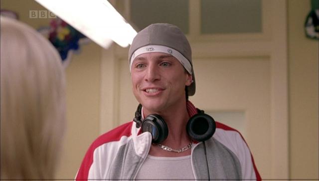 """В 1999 году он снялся в телесериале """"Джек и Джилл"""", после чего его карьера в большом кино пошла вверх. Наиболее известные его работы в кино это третья и четвертая части """"Очень страшного кино"""", """"Блондинка в шоколаде"""", """"Супергеройское кино""""."""