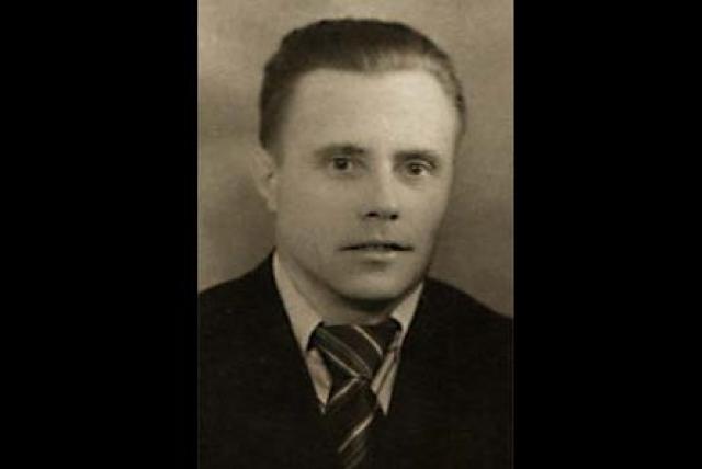 Родители Владимира Путина. Отец российского президента Владимир Спиридонович служил на флоте, прошел войну, после чего работал мастером на заводе.