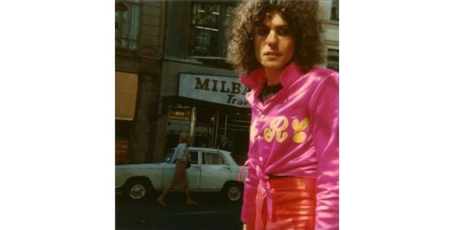 Марк Болан. Снимок рок-звезды был сделан за три дня до его смерти в автомобильной аварии.