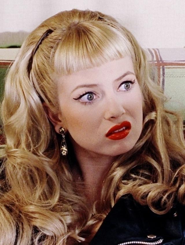 """Однако ей удалось сделать одну из самых успешных карьер в большом кино. На счету Трейси Лордс такие известные фильмы, как """"Мамочка-маньячка-убийца"""", """"Блэйд"""", а также """"Плакса""""с такими партнерами по съемочной площадке как Джонни Депп, Эми Локейн и Игги Поп."""