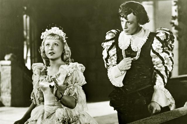 """Янина Жеймо. Звезда фильма """"Золушка"""" 1947 года сыграла юную девушку в 37 лет."""