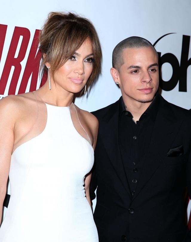 Она изменила Марку с танцором, ставшим впоследствии ее бойфрендом, Каспером Смартом.