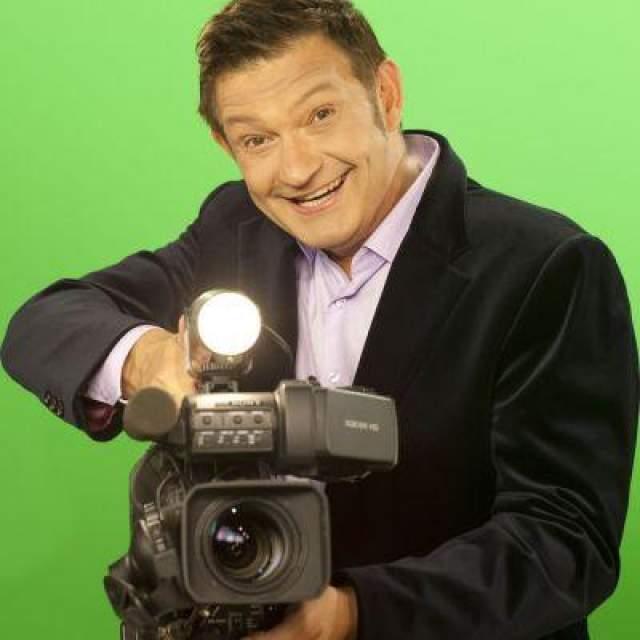 """Иван Усачев (1990). Известный больше как автор и ведущий телепроекта """"Вы — очевидец"""" на ТВ-6 и на REN-TV телеведущий с 1986 года был корреспондентом в отделе вещания на США и Канаду Московского международного радио."""