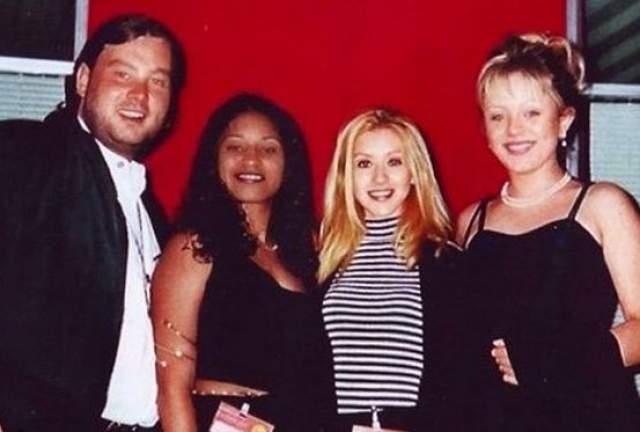"""А в 1995 году она победила в международном вокальном конкурсе """"Big Apple-95"""", обойдя Кристину Агилеру и Дину Браун."""