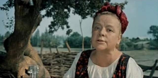 Убийство Зои Федоровой. Жизнь известная советская киноактрисы была похожа на остросюжетный фильмь. В 1945 году она познакомилась с американским дипломатом Джексоном Тейтом, от которого родила дочь Викторию (сам Тейт к тому времени уже покинул СССР).