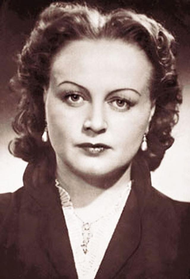 Татьяна Окуневская. Известнейшую актрису в 1946 году отправили на гастроли в Европу, где она повстречала югославского лидера Иосипа Броз Тито.