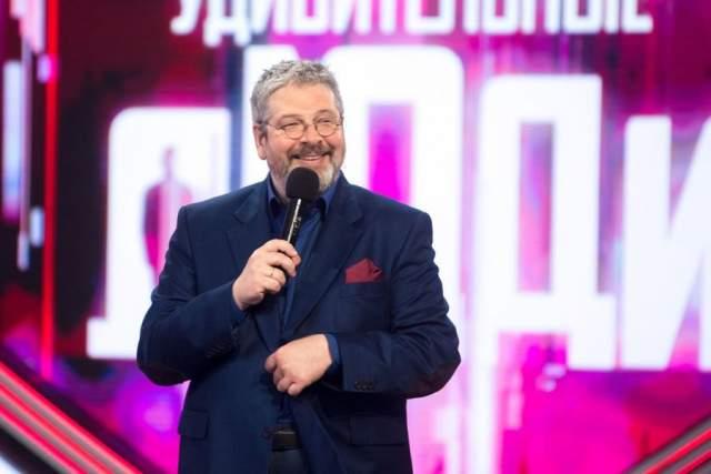 """Гуревич был руководителем телевизионной компании """"Студия 2В"""", выпустившей такие культовые проекты как """"Своя игра"""", """"Сам себе режиссёр"""", """"Диалоги о животных"""" и другие."""