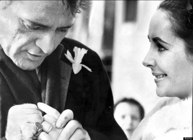 В марте 1964 года Тейлор вышла замуж за Бёртона, не особо задумываясь, надолго ли: для нее это был пятый брак, а для Ричарда — второй. Вначале, как признавались сами актеры, отношения их были идеальными, но позже вскрылись не самые приятные черты у одного из супругов.