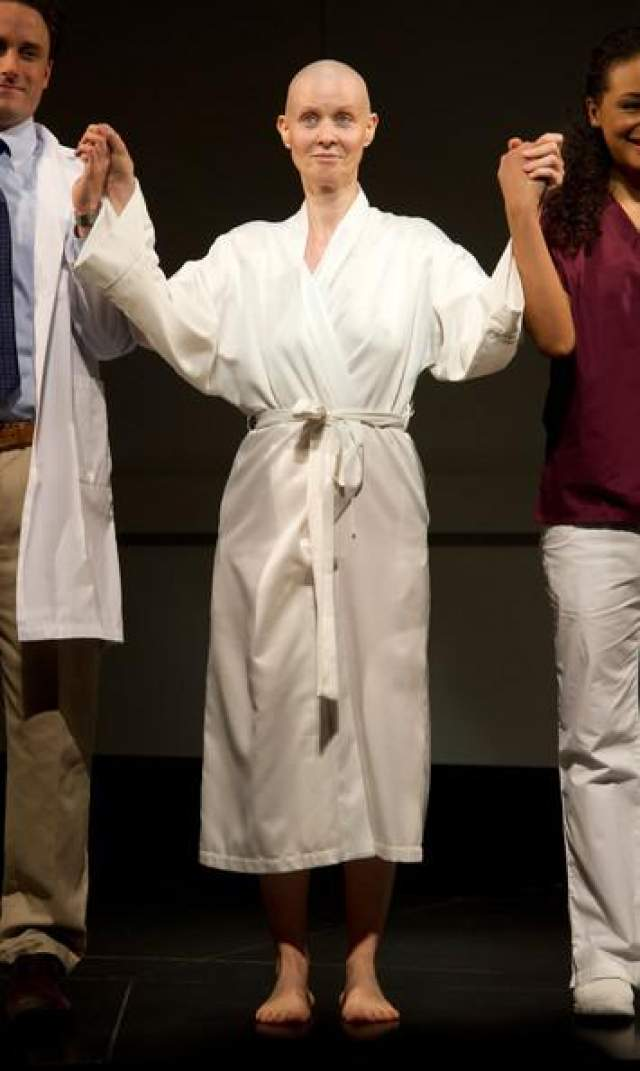 """Синтия Никсон. Исполнительница роли Миранды в сериале """"Секс в большом городе"""" также сделала необычную стрижку ради роли."""