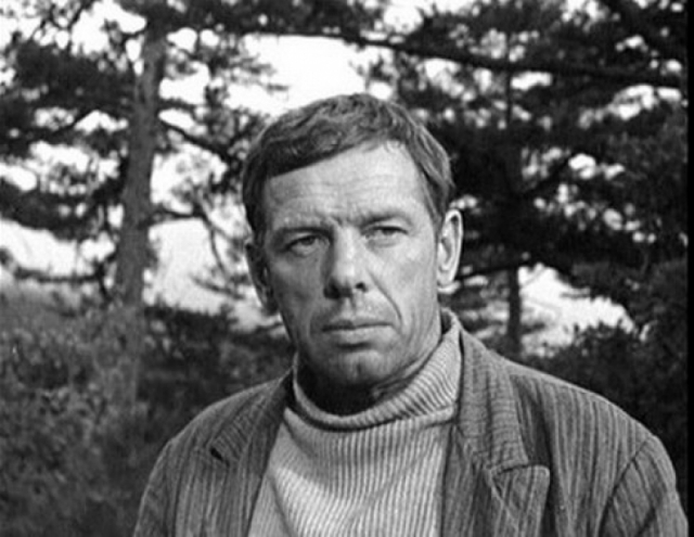 В 1949 Жженова снова арестовали и сослали в Норильский ИТЛ, откуда в 1954 он вернулся в Ленинград, в 1955 году актер был полностью реабилитирован.