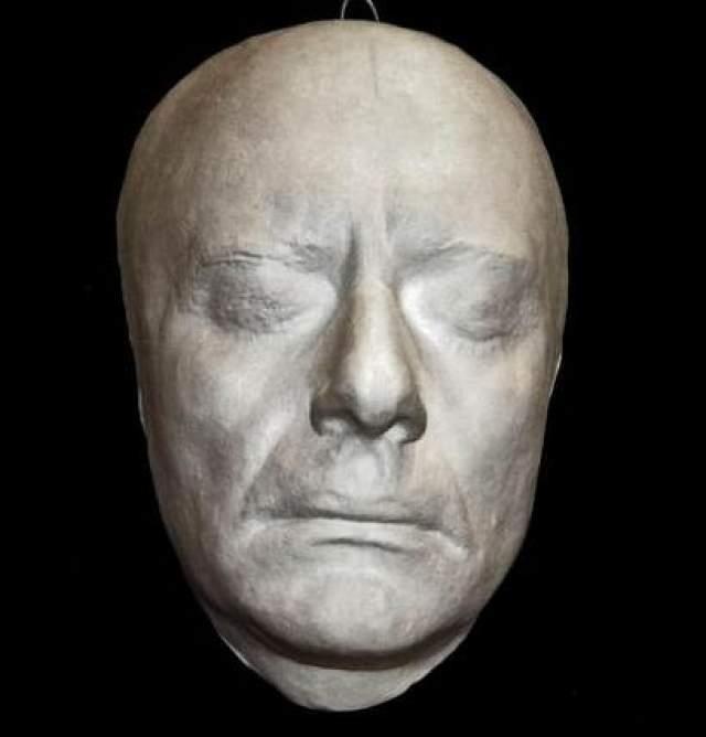 Андрей Миронов. Когда страна только-только оправилась от смерти Папанова, умер Миронов, перенесший кровоизлияние в мозг прямо во время спектакля.
