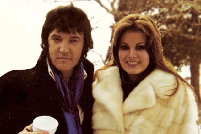 С конца 1976 года и до самой смерти певца его новой постоянной возлюбленной стала Джинджер Олден.