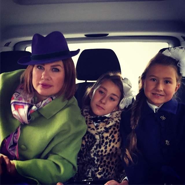 Весной 2009 года Ева Польна объявила о распаде группы и о начале своей сольной карьеры. Кроме музыки она увлекается модой и растит двух дочек Эвелину и Амалию.
