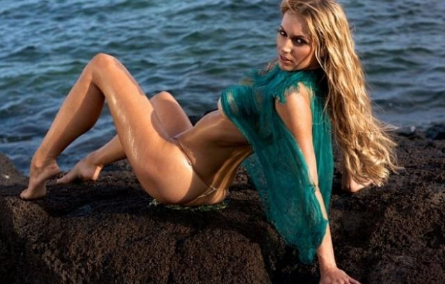 Розанна Дэвисон - модель .актриса и певица, а также дочь музыканта Криса де Бурга.