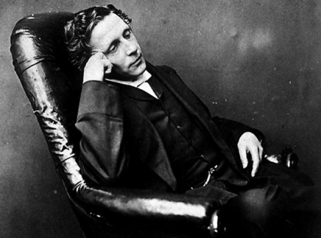 Более того, с раннего детства писатель страдал от заикания, что очень сильно беспокоило его, наркотик же успокаивал его.