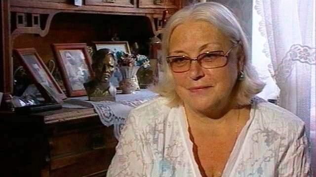 Все началось с младшей сестры, которая начала бороться с матерью за квартиру в центре Москвы. В 2013 году Лидия Федосеева-Шукшина заявила, что планирует открыть в ней музей покойного мужа.