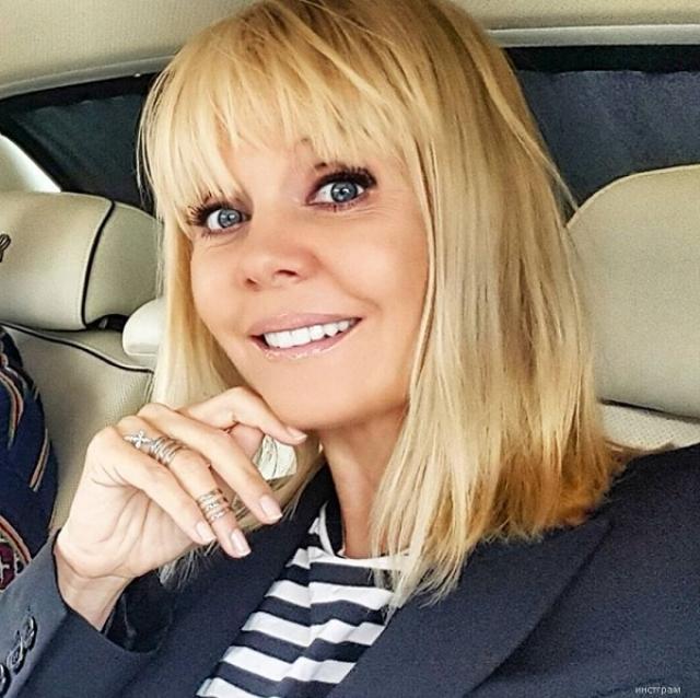 Сейчас Валерии 49 лет, а она напоминает юную девушку.