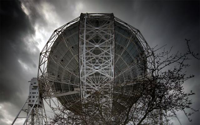 СМИ по всей Европе начали трубить о том, как советская женщина заживо сгорела в тесной кабине космического корабля. В качестве доказательства приводился еще тот факт, что примерно в то же время, неизвестные сигналы поймал британский радиотелескоп Jodrell Bank.