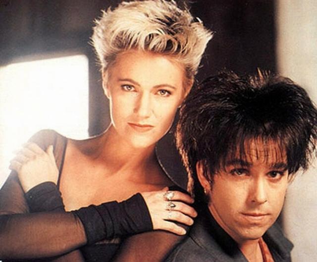 Roxette. Шведская поп-рок-группа, лидерами которой являются Пер Ге́ссле и Мари́ Фре́дрикссон в конце 80-х - начале 90-х буквально покорили музыкальные олимпы всего мира своими романтичными балладами.