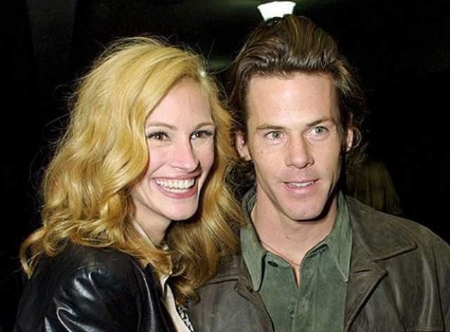 Джулия Робертс также нашла мужа на съемочной площадке. Им стал помощник оператора Дэнни Модер. Многие недоумевали, как внимание актрисы привлек, казалось бы, такой неприметный парень.