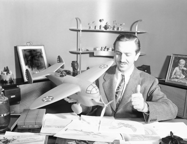 """Рабочий кабинет Уолта Диснея. Известнейший мультипликатор, кинорежиссер и основатель империи """"The Walt Disney Company"""" в своей штаб-квартире в городе Бербанк в Калифорнии."""