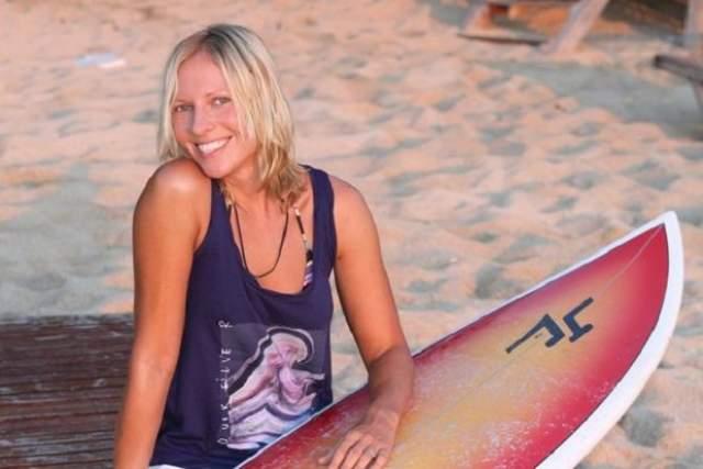 """В конце 1998 года Полина Иодис покинула группу, занялась экстремальными видами спорт, вела программу """"Доступный экстрим"""" на телеканале MTV Россия. С 2010 года девушка живет на Бали и занимается серфингом."""