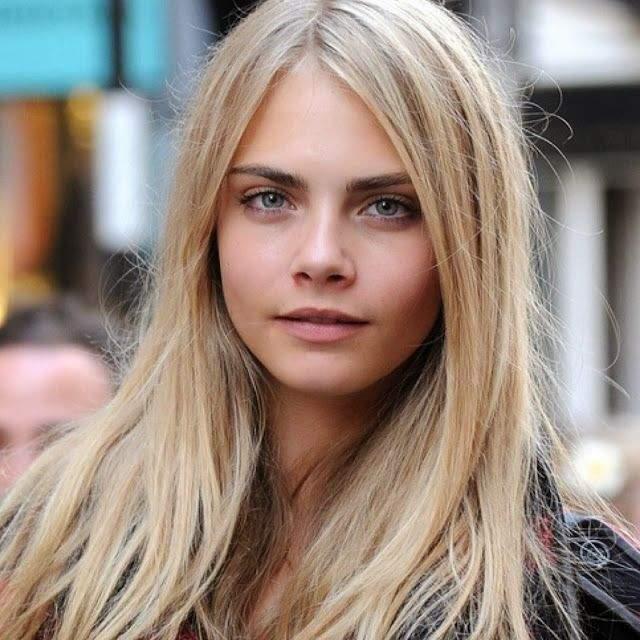 Модель Кара Делевинь успела побыть и блондинкой, и русой...